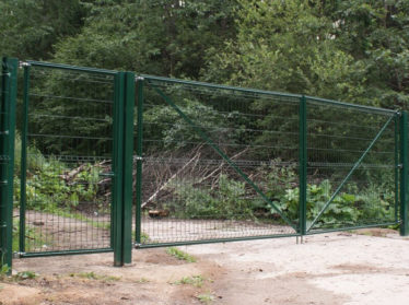3d забор с распашными воротами и калиткой